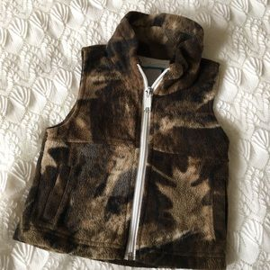 Toddler boy Columbia camouflage vest💗